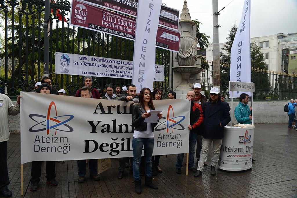 Athéisme en Turquie: s'organiser contre l'oppression