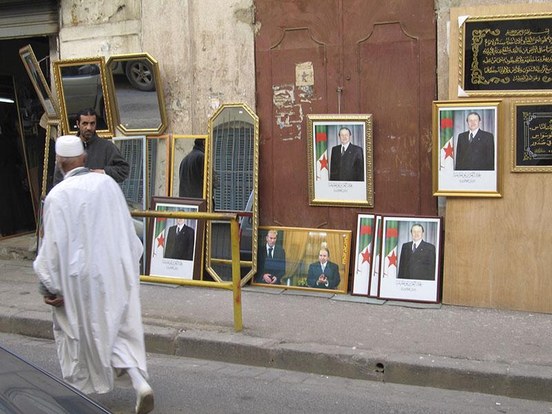 Algérie: la main invisible du pouvoir sur les médias