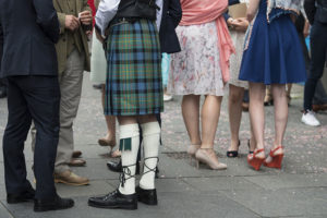 Que l'on porte jupe, kilt ou pantalon: on a les idées larges en Écosses