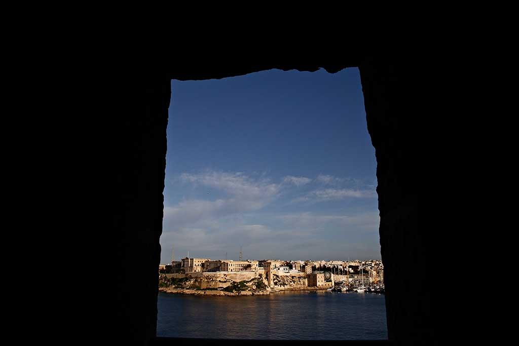 Malte se met à l'heure humaniste