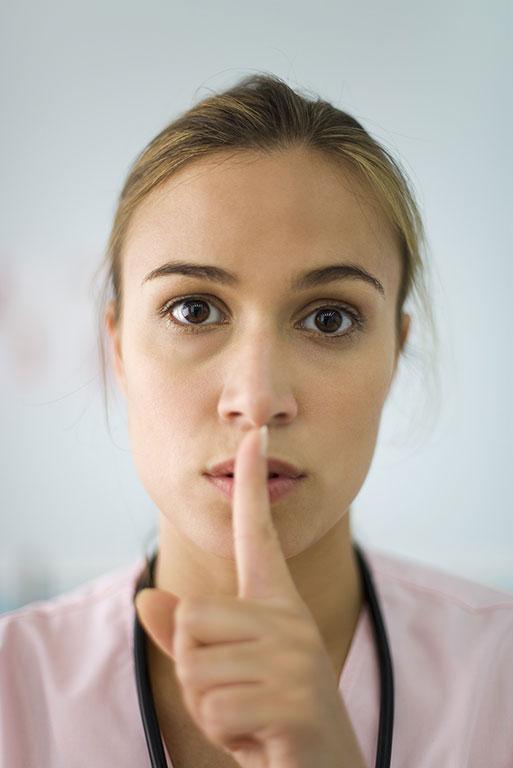 Une loi du silence qui libère la parole