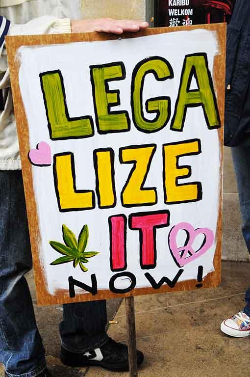 Pour une fumette légale et encadrée