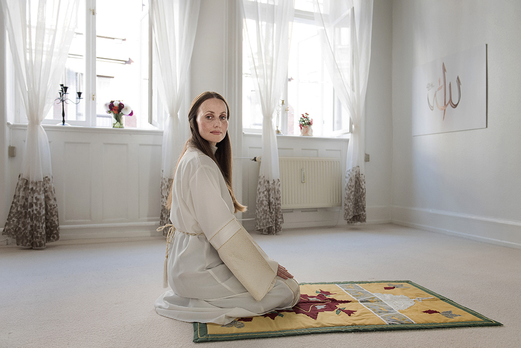 """This picture taken in 2016 shows Sherin Khankan of Denmarka, the female-led mosque posing for a photo in Copenhagen, Denmark. - """"Talking about women's rights is not a Western phenomenon, it's an Islamic ideal,"""" Sherin Khankan -- one of the five female imams-in-training -- told AFP in a sparsely furnished room where the weekly prayers are held (Photo by Linda Kastrup / Scanpix Denmark / AFP) / Denmark OUT"""
